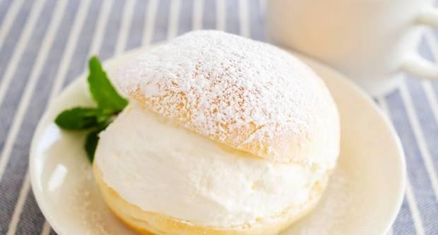 Talijanski konkurent kroasanu: Recept za supermeka peciva punjena tučenim vrhnjem