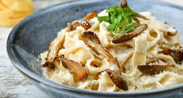 Recept za tjesteninu s bukovačama tako finu da nećete ni primijetiti da u njoj nema mesa