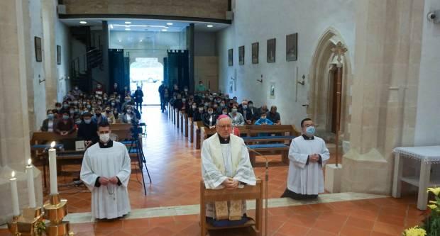Biskup Škvorčević predvodio u Voćinu molitvu svete krunice za prestanak pandmenije