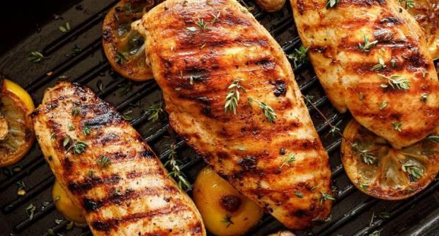 Trik za savršeno sočna pileća prsa s roštilja