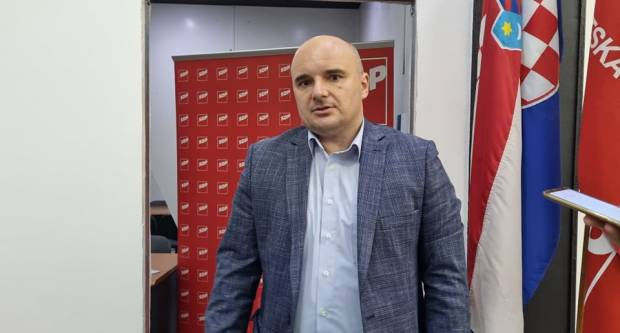 IZ SDP-A PORUČUJU: ʺU Slavonskom Brodu SDP od izbora do izbora lagano kopniʺ