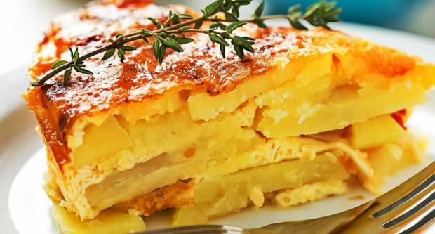 Kakva fantazija! Zapečeni krumpir sa sirom koji ʺideʺ uz sve