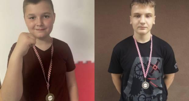 Srebro i bronca za mlade požeške boksače