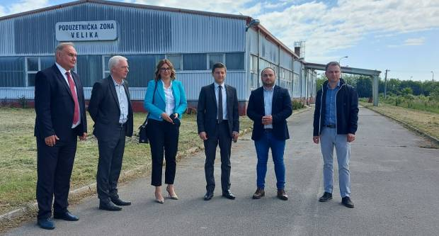 Ministar Marić posjetio Veliku i pružio podršku kandidatu za načelnika Općine Dariju Ivkoviću u drugom krugu lokalnih izbora