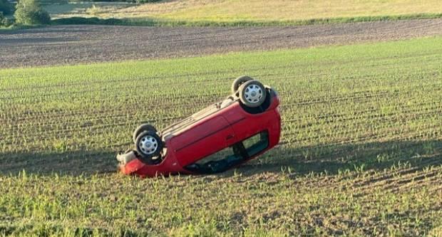 Novi način parkiranja? Sletio s ceste u Završju pa otišao kući