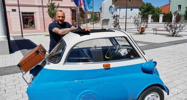 Zlatne ruke majstora Zeca: Darijo Adžijević restaurirao vrijednu BMW Issetu iz 1957. godine