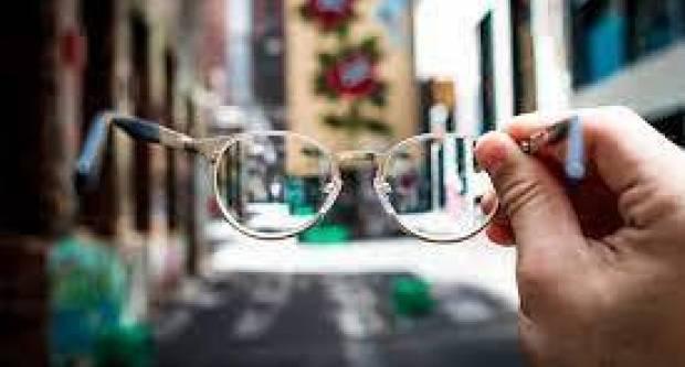 Neobična krađa: Brođanin ukrao dioptrijske naočale iz teretnog automobila