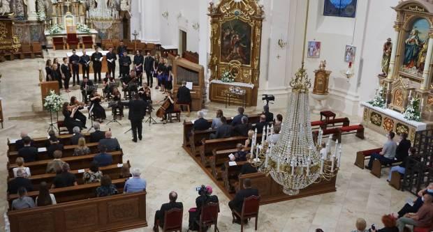 FOTO: Antunovski koncert u požeškoj Katedrali