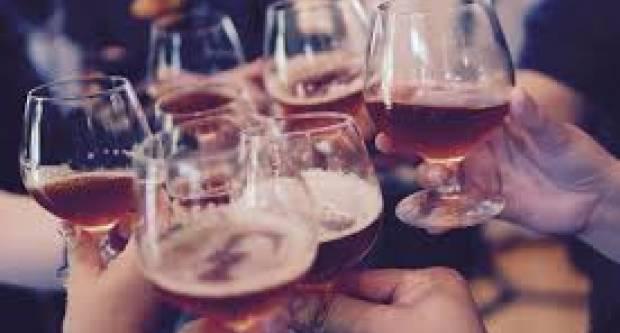 Hrvatska među zemljama gdje mladi najviše piju alkohol, djevojke tek nešto manje u odnosu na mladiće