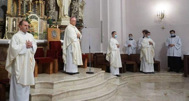 Misa zahvalnica u požeškoj Katedrali na svršetku nastavne godine