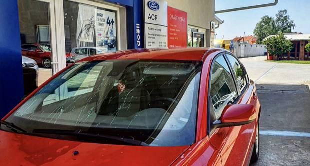 Što napraviti s automobilom kojeg je oštetila tuča?