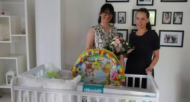 Uručena vrijedna oprema za novorođenče u pet brodskih obitelji