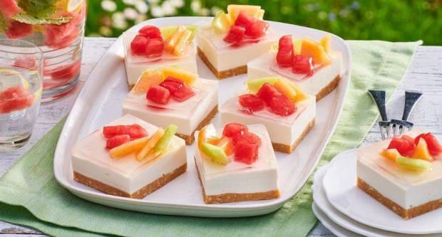 Cheesecake s lubenicom i dinjom: Recept za božanstveno lagani kolač koji se topi u ustima