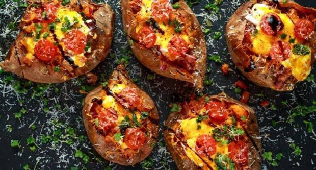 Recept za najslađi zapečeni krumpir sa sirom i špekom