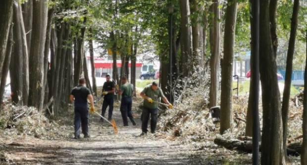 Krenulo raščišćavanje Zvečevačkog parka