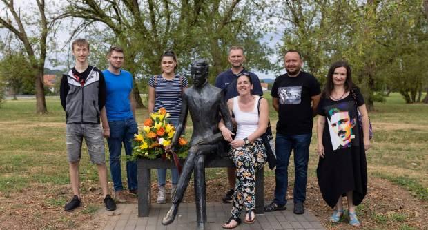 Članovi projektnog tima Tehničke škole obilježili 165.godišnjicu rođenja Nikole Tesle
