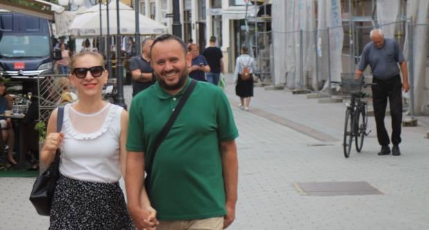 Brojni Požežani iskoristili zahladnjenje za šetnju gradom