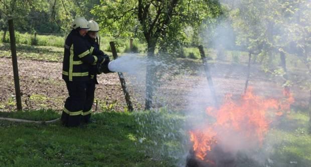 Nepažnja Požežana: U petak pet požara na otvorenom prostoru