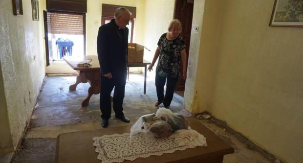 Biskup Škvorčević posjetio obitelji u Našicama nastradale u nevremenu