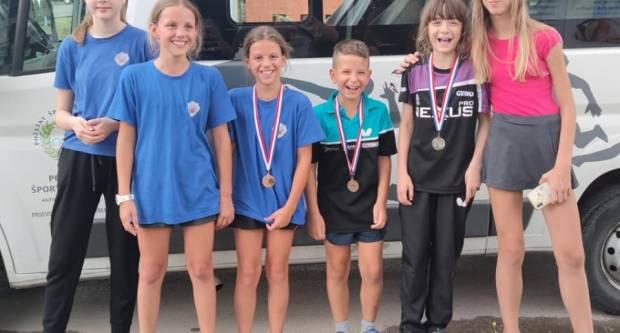 Članovi Stolnoteniskog kluba Požega osvojili tri medalje na ʺCibalia Kids Openuʺ u Vinkovcima