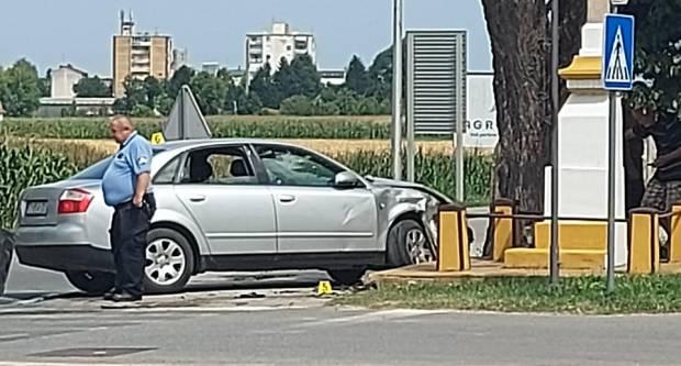Prometna nesreća između kombija i osobnog vozila u Zagrebačkoj