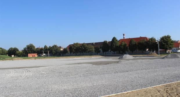 Napreduje izgradnja pomoćnih terena stadiona kraj Save