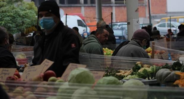 Voće i povrće drže visoke cijene. Krumpira neće niti biti, a cijene mahuna i graha lete u nebo