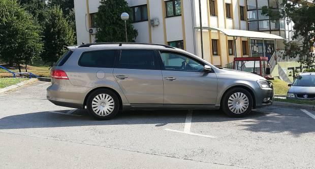 ʺDojčeʺ parkiranje u Pleternici