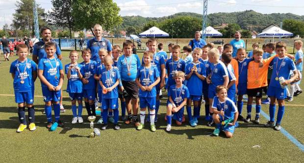 Početnici Nogometnog kluba Osijek osvojili 5. Nogometni turnir ʺAurea Fest Kup Požega 2021ʺ