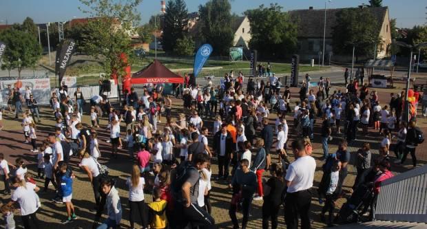 Rekordan broj trkača danas trči u Sl. Brodu. Čestitke organizatorima!