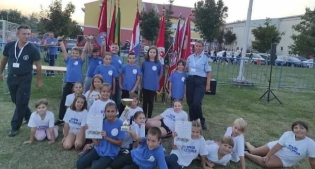 Pleternički maleni vatrogasci osvojili 3. i 4. mjesto na 1. Vatrogasnom kupu u Kaptolu
