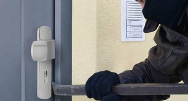Nepoznati počinitelj provalio u obiteljsku kuću u Brodskom Drenovcu