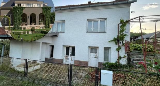 TELEGRAM OTKRIVA: Galić na Tuškancu ima jednu od najljepših vila, a prijavio da živi u ovoj straćari