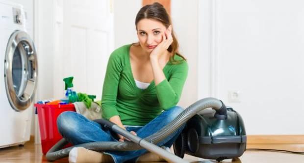 Što bi se dogodilo da žene stanu s kućanskim poslovima? Sudeći po viralnoj kampanji udruge B.a.B.e. - kaos