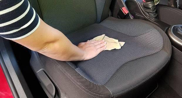 Pogledajte trik pomoću kojega možete očistiti prljava sjedala u vašem automobilu