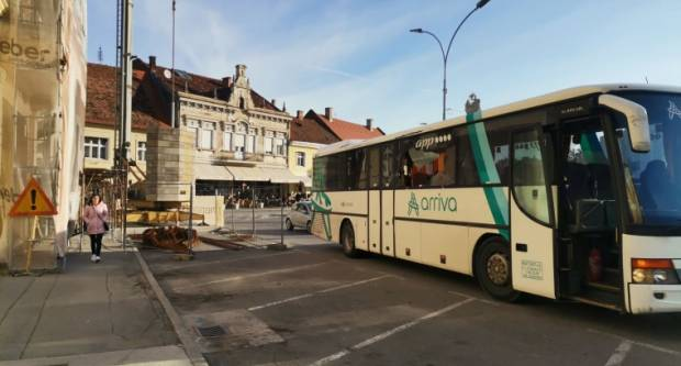 Autobusom udario u građevinsku skelu, na mjestu platio kaznu