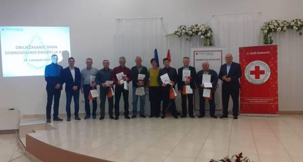 SL. BROD: Dodijeljene nagrade i priznanja povodom Dana dobrovoljnih darivatelja krvi
