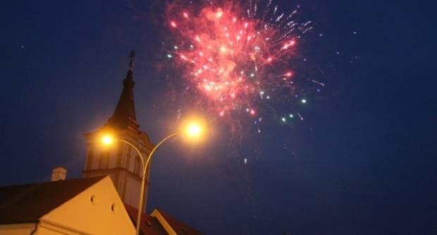 PRVI DAN LJETA: Utakmica, Ivanjski krijes i koncert Magazina na Trgu sv. Trojstva