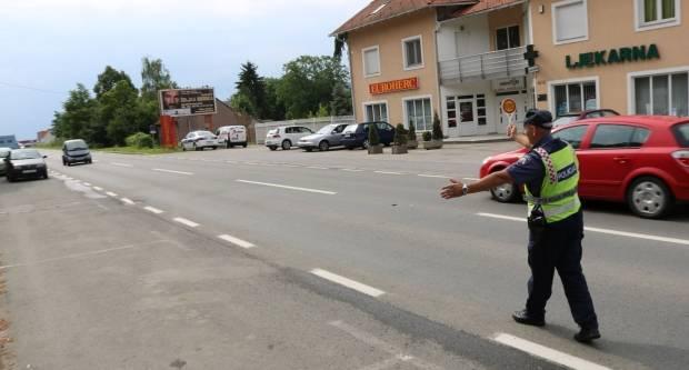 U Jakšiću zaustavljen 18-godišnjak bez vozačke, njegov suputnik vrijeđao policajce