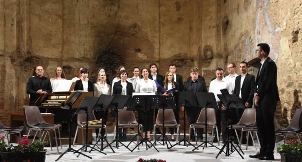 Petrovski koncert u srednjovjekovnom kaptolskom gradu u Kaptolu