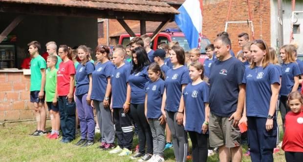 150 mladih, budućih vatrogasaca demonstriralo vještinu