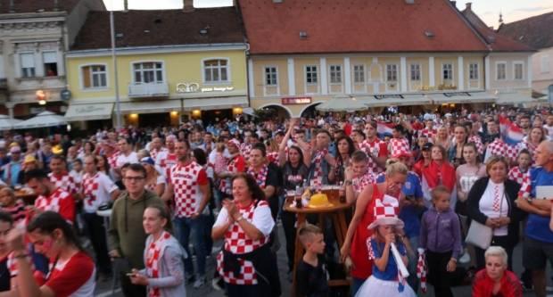 HRVATSKA - ENGLESKA Navijajmo zajedno na Trgu Sv. Trojstva