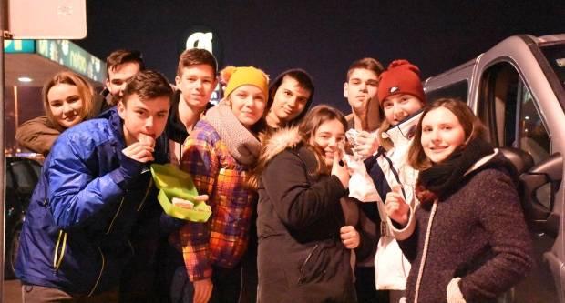 Učenici Katoličke gimnazije iz Požege učili skijati na Vlašiću