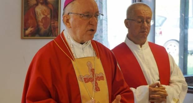 Biskup Škvorčević pohodio prognaničko naselje Kovačevac