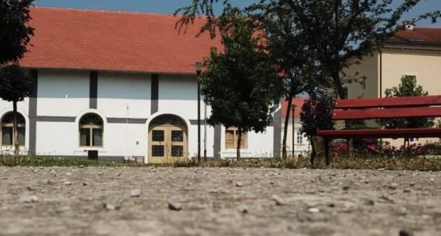 Besplatno korištenje interneta u dvorištu kurije Janković