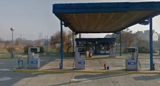 Iz benzinske u Čaglinu ukrali cigarete, u Lipiku iz automata za svijeće ukrali novac
