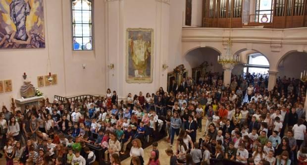 Zaziv Duha Svetoga učenika Katoličkih škola u Požegi
