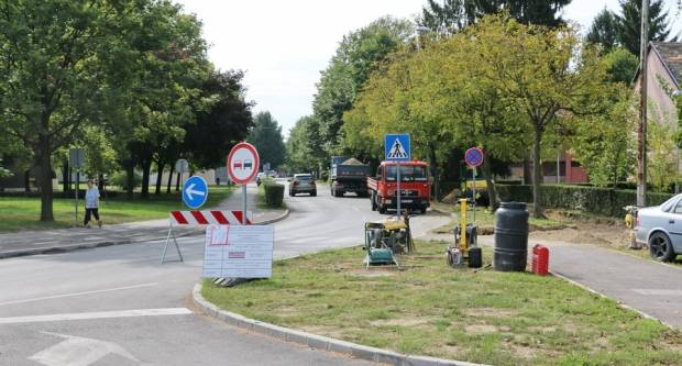 Gundulićeva ulica dobiva novu pješačku stazu
