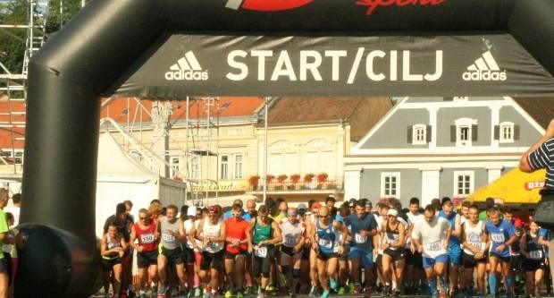 30. rujna održava se 3. Požeški polumaraton, utrka na 5 km te utrke predškolske djece i učenika osnovnih škola