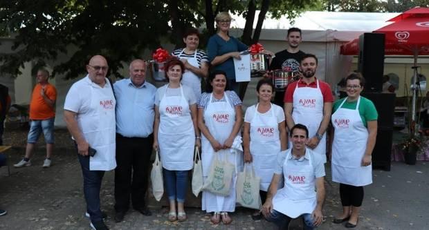 "Najbolji ajvar na Ajvarfestu u Lipiku pripremila ekipa ""Mirisi jeseni"""